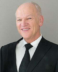 Zahnarzt Hamburg - Dr. med. dent. Wilfried Reiche M.Sc.